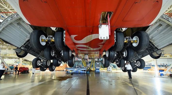 Emirates voorziet eerste a380 van nieuw landingsgestel